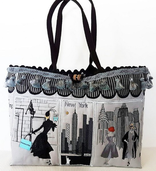 New York Machine Embroidery Designs by Stitchingart. New York embroidered bag.